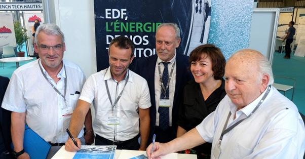 Signature de la convention EDF ADEPFO en présence de Carole Delga, Présidente de la Région Occitanie, et de Gilles Capy, Délégué Régional EDF en Occitanie.