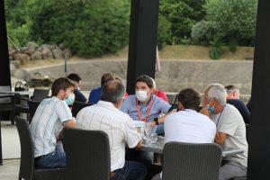 Echanges entre participants au speed-meeting EDF